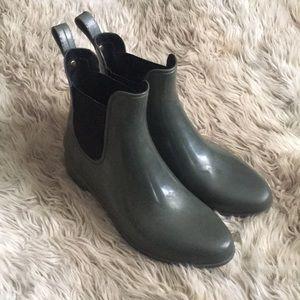 Sam Edelman tinsley green rain ankle booties 9